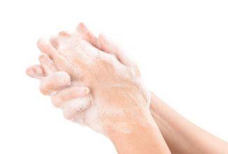 Cum să vă preparaţi un lichid antibacterian