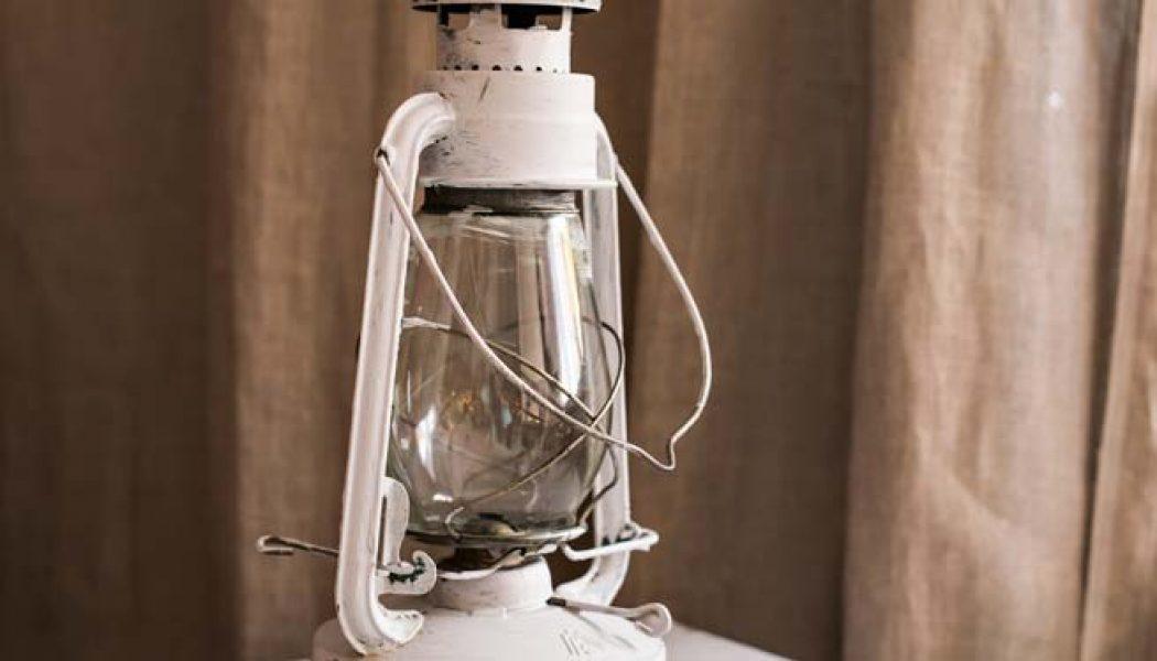 Cum să faci o lampă dintr-o sticlă de detergent