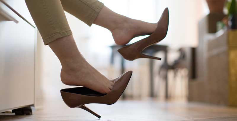 cum-alegi-o-pereche-de-pantofi-stiletto-comozi