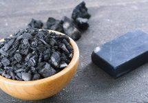 Cum să utilizezi cărbunele activ pentru a-ți îmbunătăți viața
