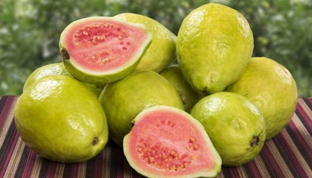 Acest fruct conține de 4 ori mai multă vitamine C decât o portocală medie